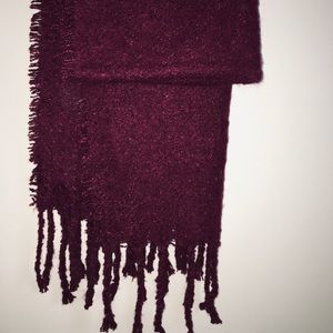 New burgundy berry soft blanket scarf with fringe
